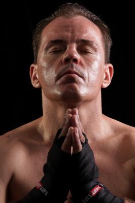 Boxeador alemán Matthias Ludwig pelea este domingo en Hard Rock Café